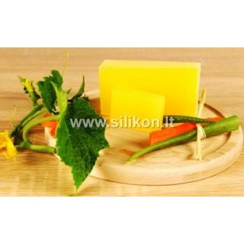 Muilo bazė su morkomis, agurkais ir alaviju